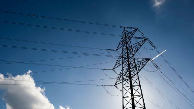 L'ElCom estime que la Suisse dépendra d'avantage de l'étranger à l'avenir pour son approvisionnement en électricité. [Sigi Tischler - Keystone]
