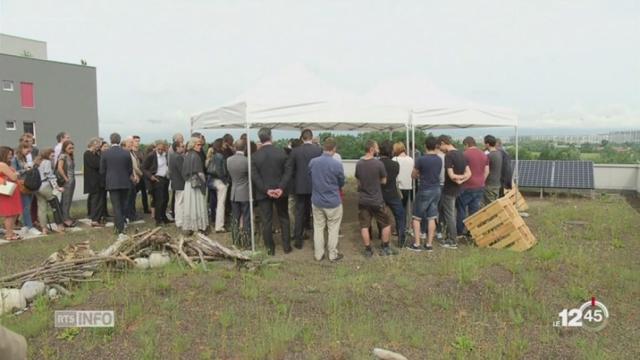 GE: inauguration d'un toit végétalisé au sommet du bâtiment administratif du DIP [RTS]