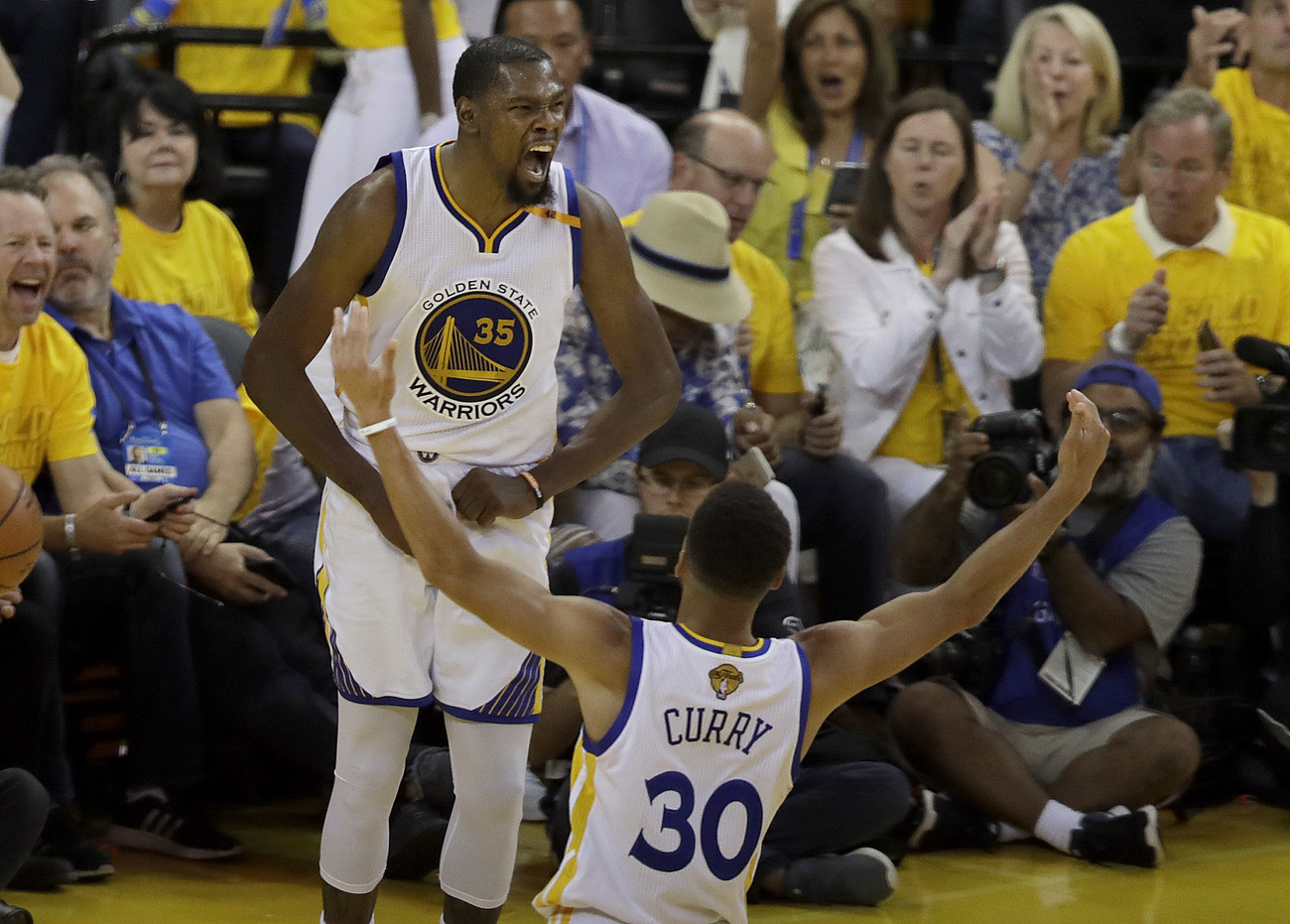 Après le titre NBA, Kevin Durant désigné MVP des Finales 2017