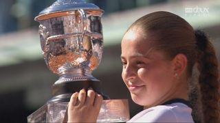 La joie de Jelena Ostapenko à la remise du trophée [RTS]