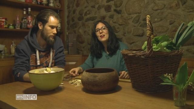 Portrait de Nina et David, qui cultivent leur jardin bio en permaculture [RTS]