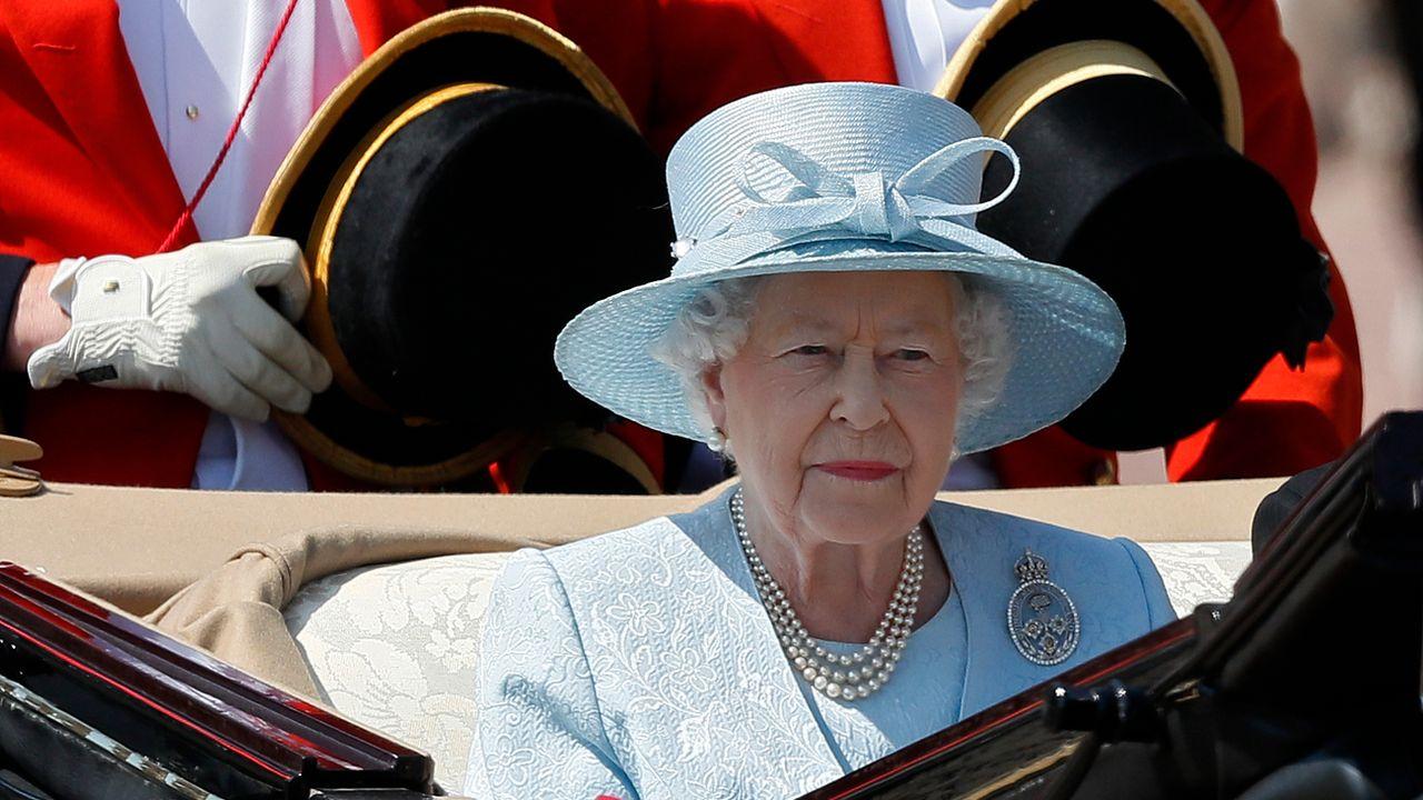 """""""Mis à l'épreuve, le Royaume-Uni s'est montré résolu face à l'adversité"""", a dit Elizabeth II. [Kirsty Wigglesworth - AP/Keystone]"""