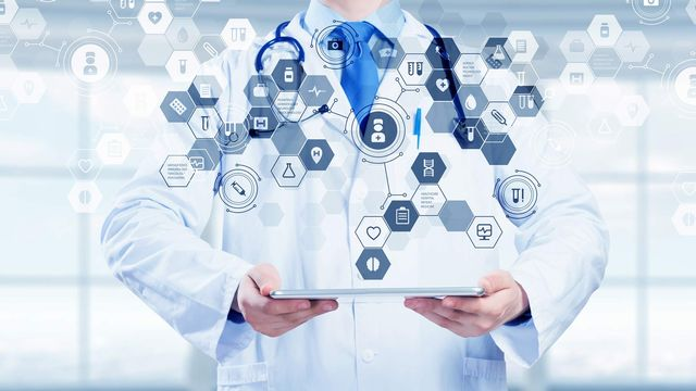 Le numérique prend de plus en plus de place dans la médecine. Sergey Nivens Fotolia [Sergey Nivens - Fotolia]