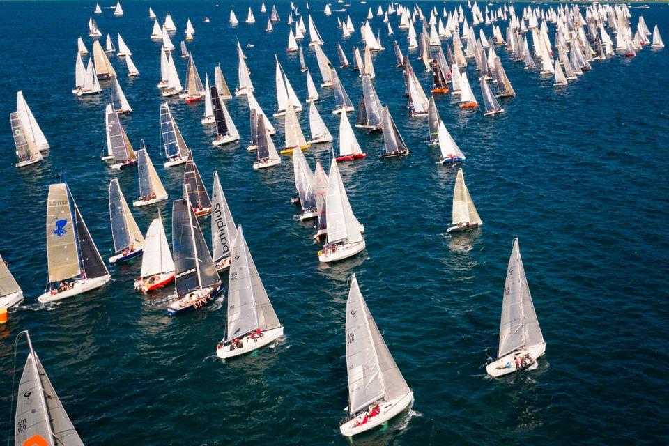 Plus de 560 bateaux ont pris le départ du Bol d'Or ce week-end. [Valentin Flauraud  - Keystone]