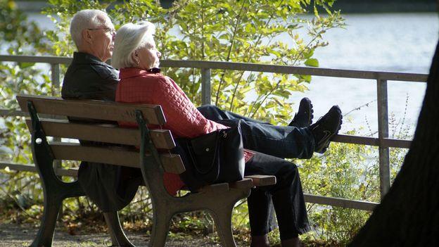 un comit bourgeois en campagne pour d fendre la r forme des retraites suisse. Black Bedroom Furniture Sets. Home Design Ideas