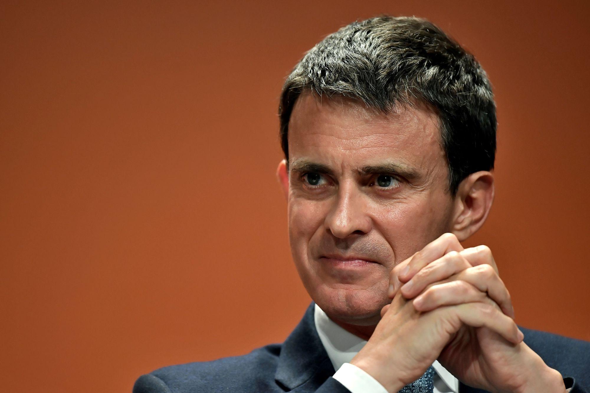 L 39 ex premier ministre fran ais manuel valls quitte le for Ministre francais