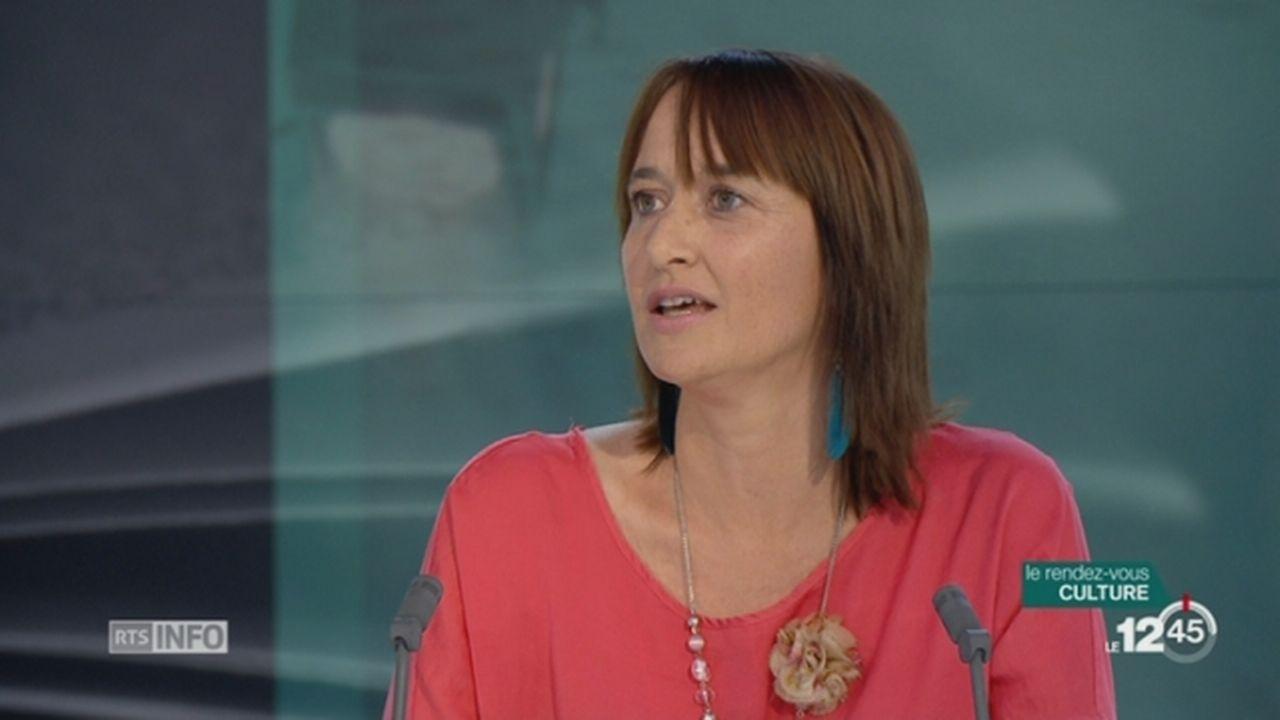 """L'invitée culturelle: Christine Pompéï évoque le dernier tome de sa série à succès """"Les Enquêtes de Maëlys"""" [RTS]"""