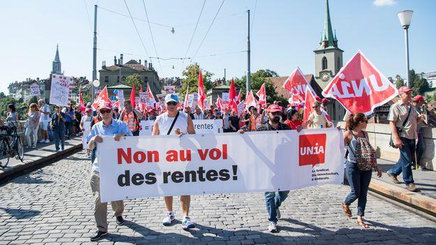 les suisses se prononceront deux fois sur la r forme des retraites suisse. Black Bedroom Furniture Sets. Home Design Ideas