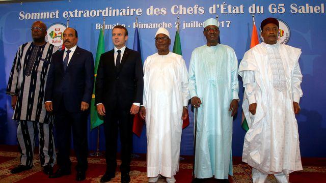 Le président français Emmanuel Macron était présent au G5 Sahel à Bamako avec plusieurs de ses homologues africains pour parler de la lutte antidjihadiste. [Luc Gnago - Reuters]