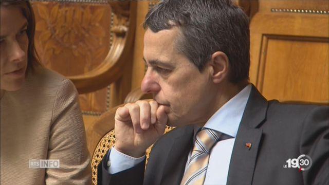 Ignazio Cassis: interrogations sur ses liens avec les assureurs [RTS]