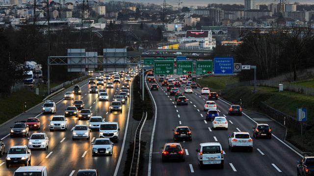 En matière de parc automobile, la France fait encore mieux que la Suisse. [Jean-Christophe Bott - Keystone]