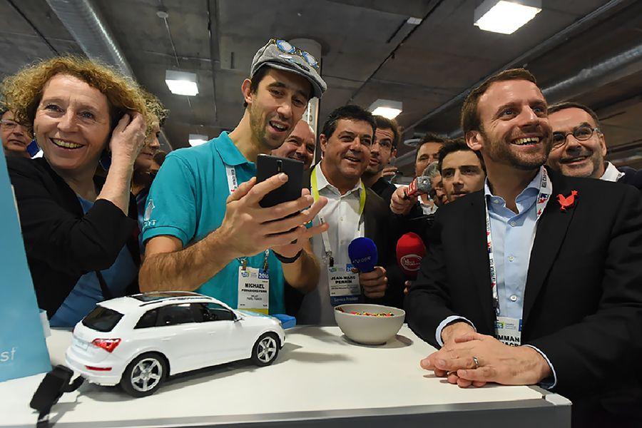 Emmanuel Macron, alors ministre de l'Economie, au salon Consumer Electronic Show (CES) de Las Vegas.