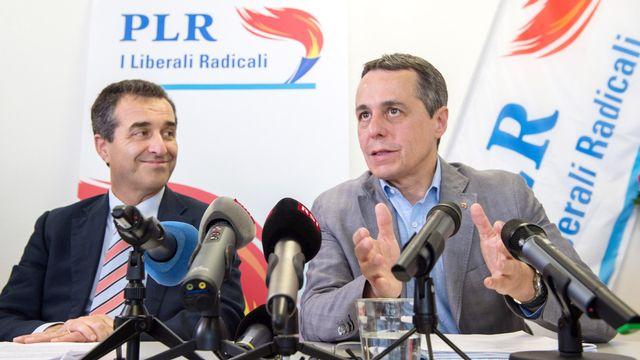 Ignazio Cassis mardi aux côtés du président du PLR tessinois Bixio Caprara. [Davide Agosta - Ti-Press/Keystone]