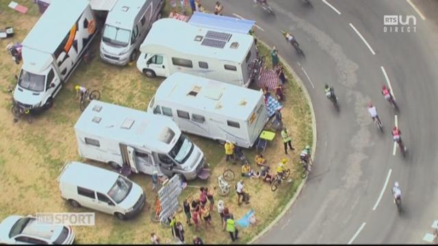 Tour de France, 12e étape: Froome (GBR) et Aru (ITA) visitent les campings cars [RTS]