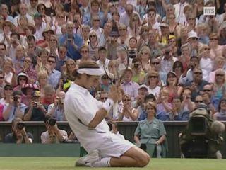 L'émotion de Roger Federer après sa victoire à Wimbledon en 2003 [RTS]