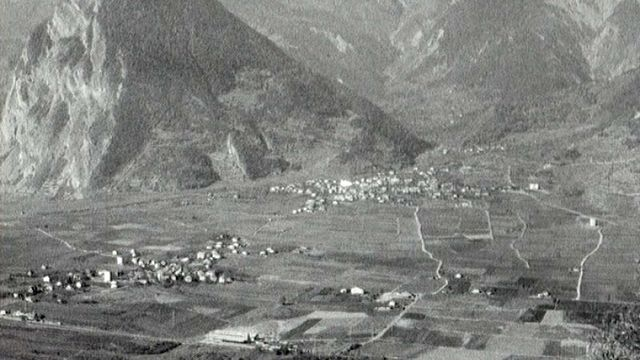 A Chamoson en Valais en 1968. [RTS]