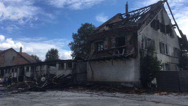 Sept incendies suspects dans la Broye, notamment dans un centre équestre