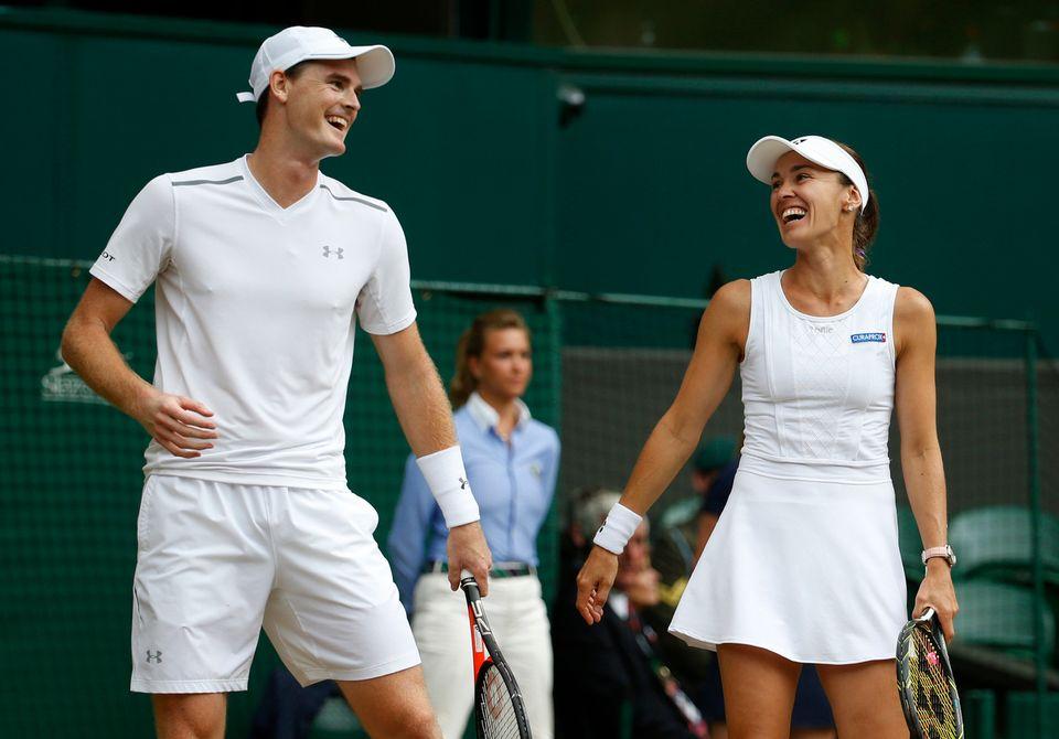 Martina Hingis et l'Ecossais Jamie Murray rigolent en finale du double mixte. [Alastair Grant - Keystone]