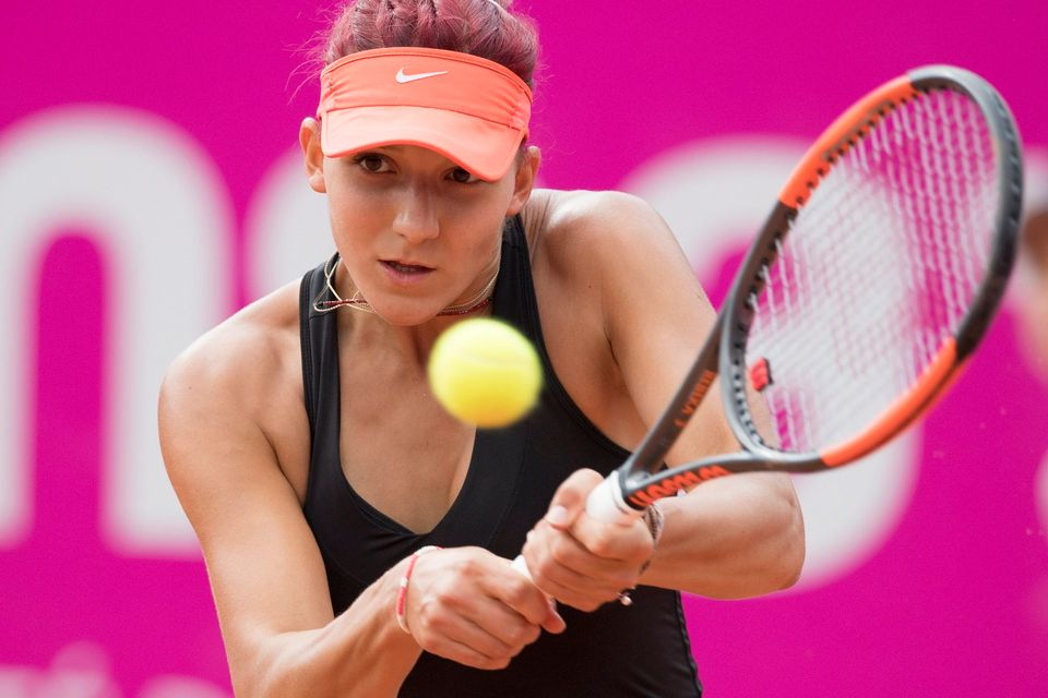 Demi-inaliste en 2016, Rebeka Masarova a pris la porte dès le 1er tour à Gstaad. [Peter Schneider - Keystone]