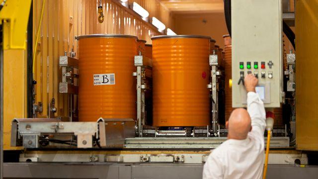Le démantèlement du parc nucléaire est un secteur qui va devenir un marché porteur d'emploi, selon Doris Leuthard. [Gaëtan Bally - Keystone]
