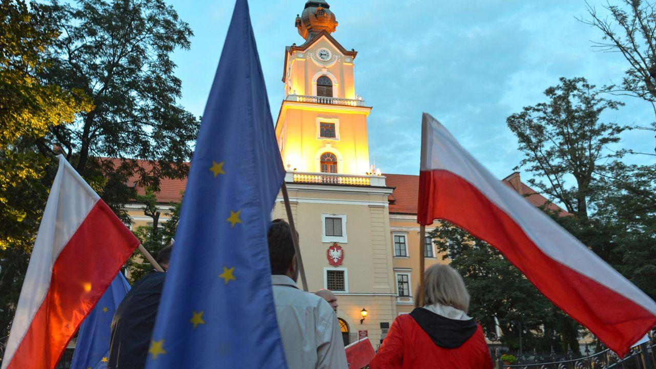 L'UE durcit le ton contre la Pologne. [Artur Widak/NurPhoto - AFP]
