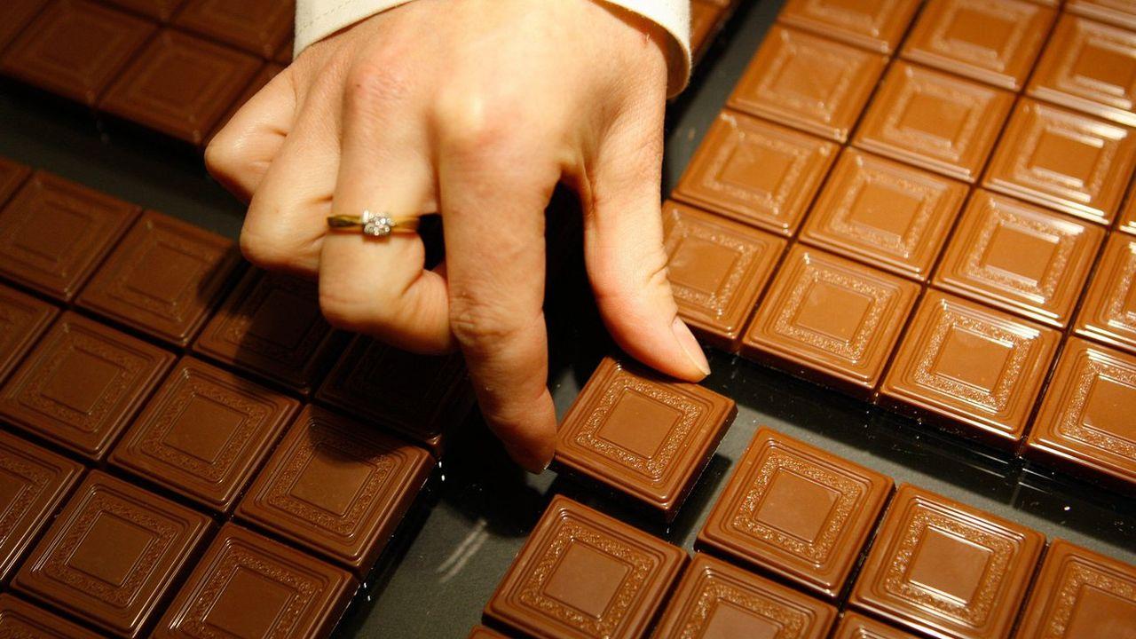 Il existe du chocolat directement adapté au goûts du pays où il est consommé. [Jean-Christophe Bott - Keystone]