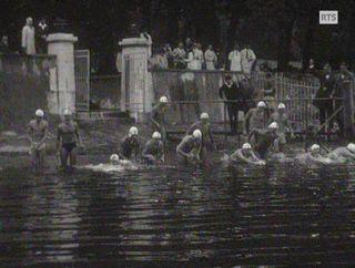 Les nageurs au départ à la Perle du lac en 1963. [RTS]