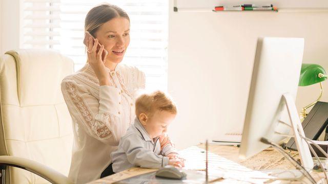 Devenir mère ne freine pas les carrières des femmes, selon une étude. [Ben Pipe Photography - Cultura Creative/AFP]