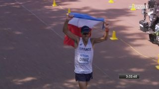 50km marche, messieurs: Diniz (FRA) remporte l'or ! [RTS]