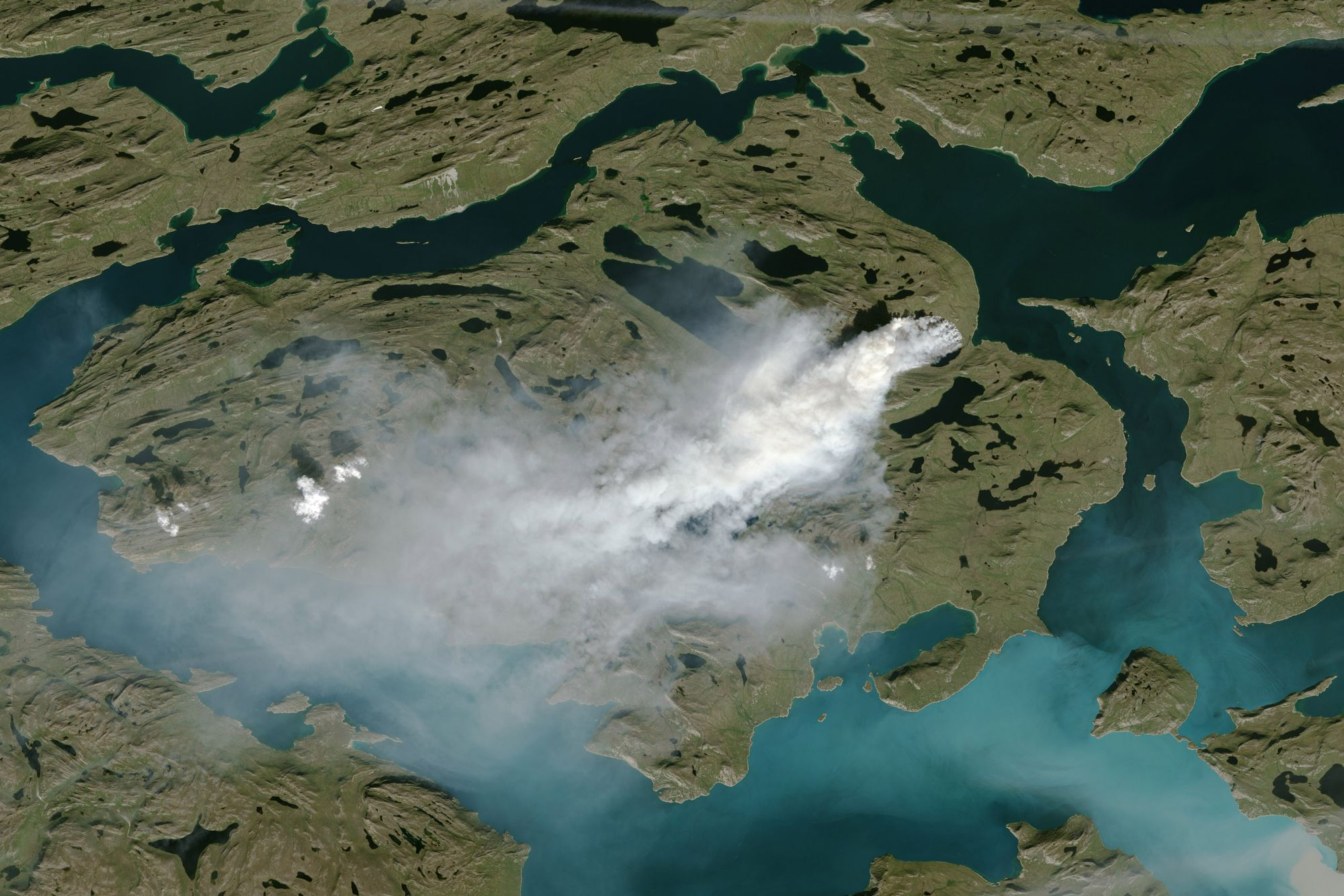 Une image satellite montre un des incendies.