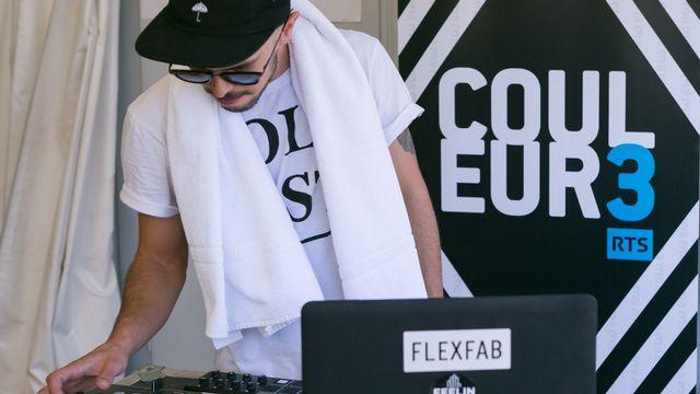 Le Neuchâtelois FlexFab en showcase pour les auditeurs de Couleur 3. [Jérôme Genet - RTS]