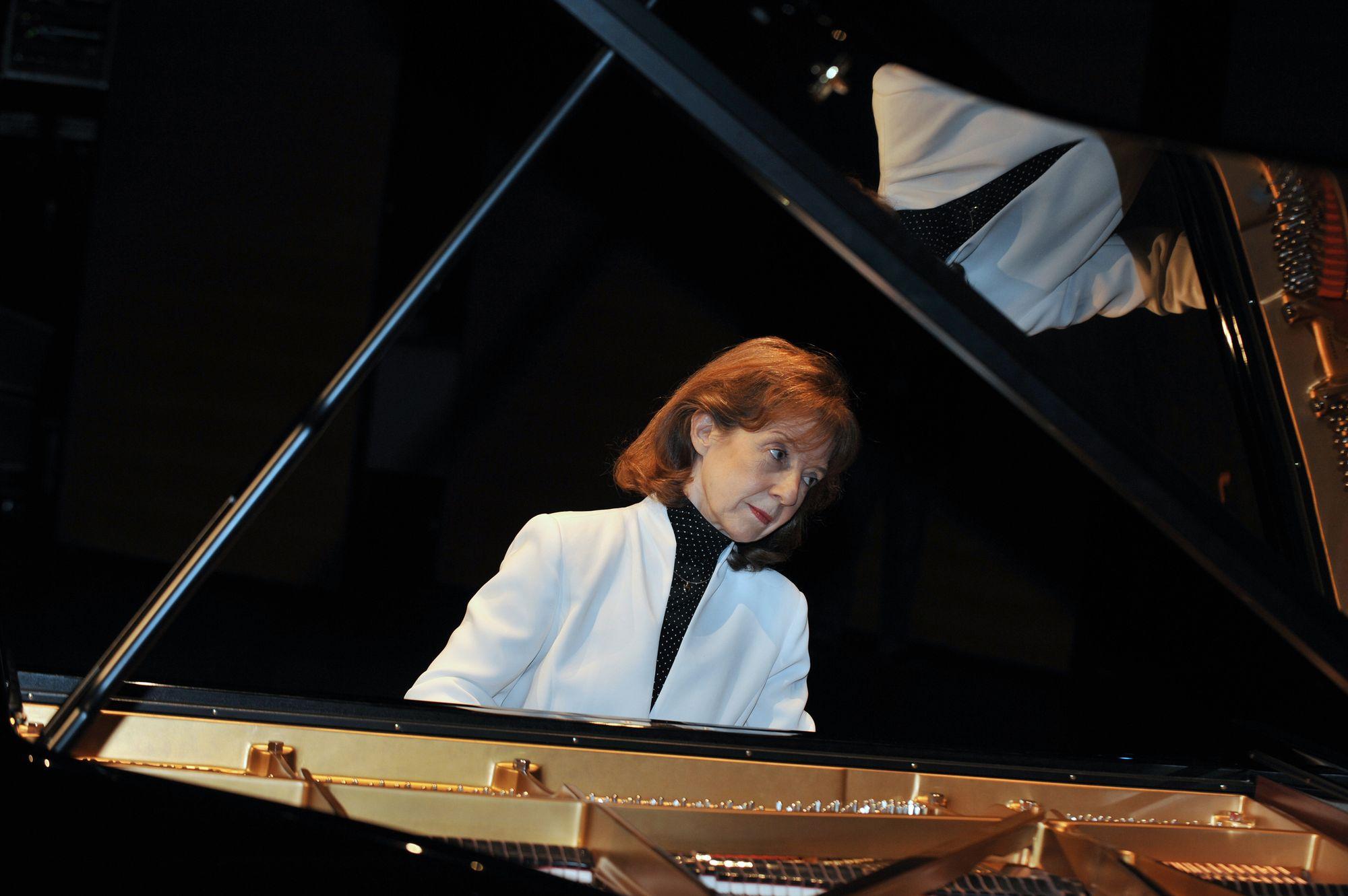 Le concours international de piano clara haskil - Concours international de musique de chambre de lyon ...
