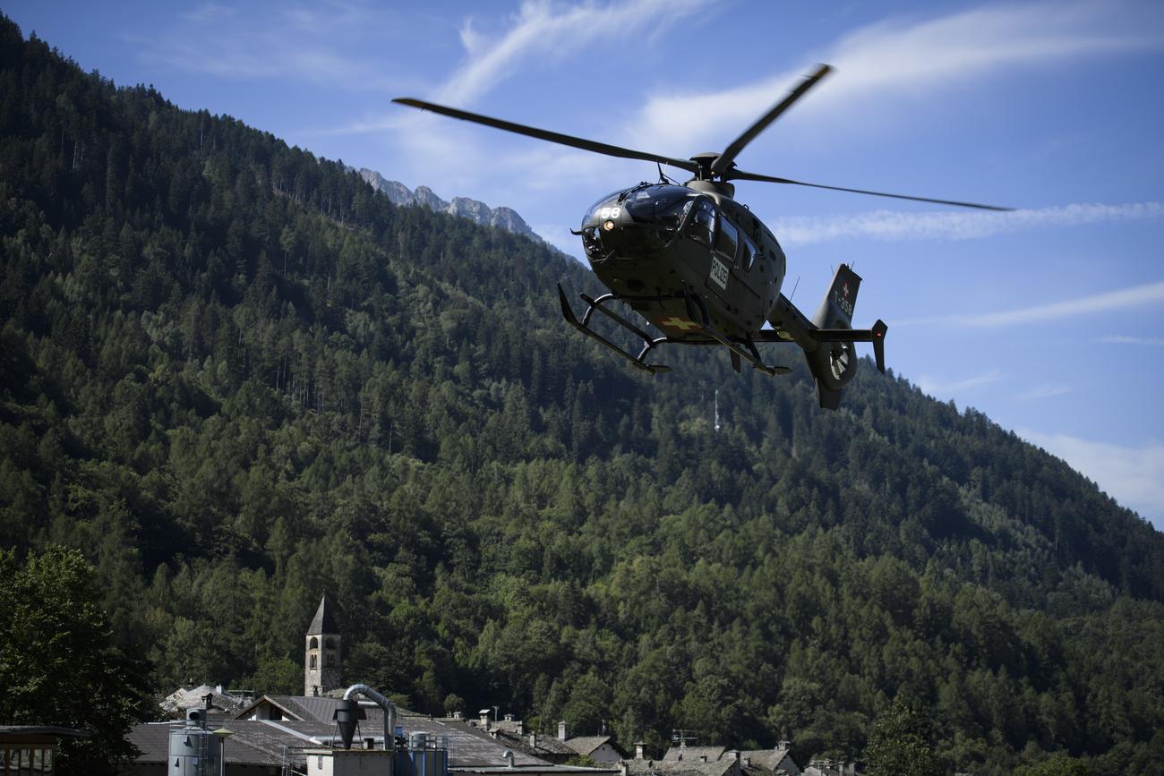 Huit disparus dans un glissement de terrain — Suisse