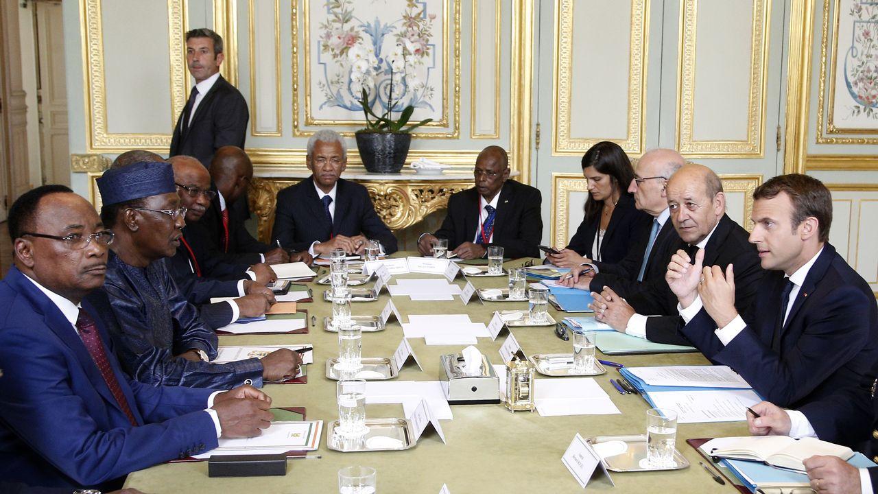 Emmanuel Macron a rencontré plusieurs chefs d'Etats africains pour parler de la crise migratoire. [Thibault Camus - AFP]