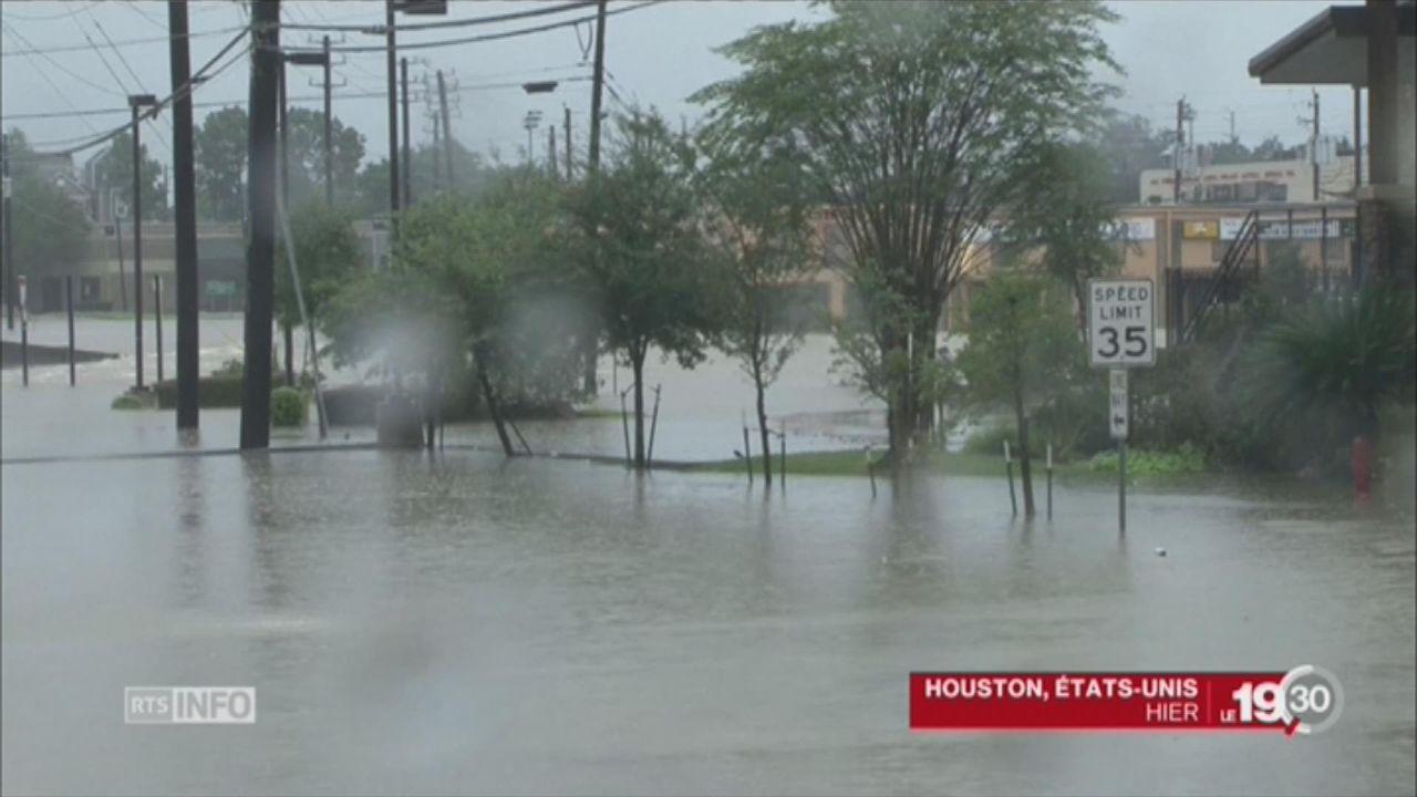 Etats-Unis: Houston durement frappée par des pluies torrentielles [RTS]