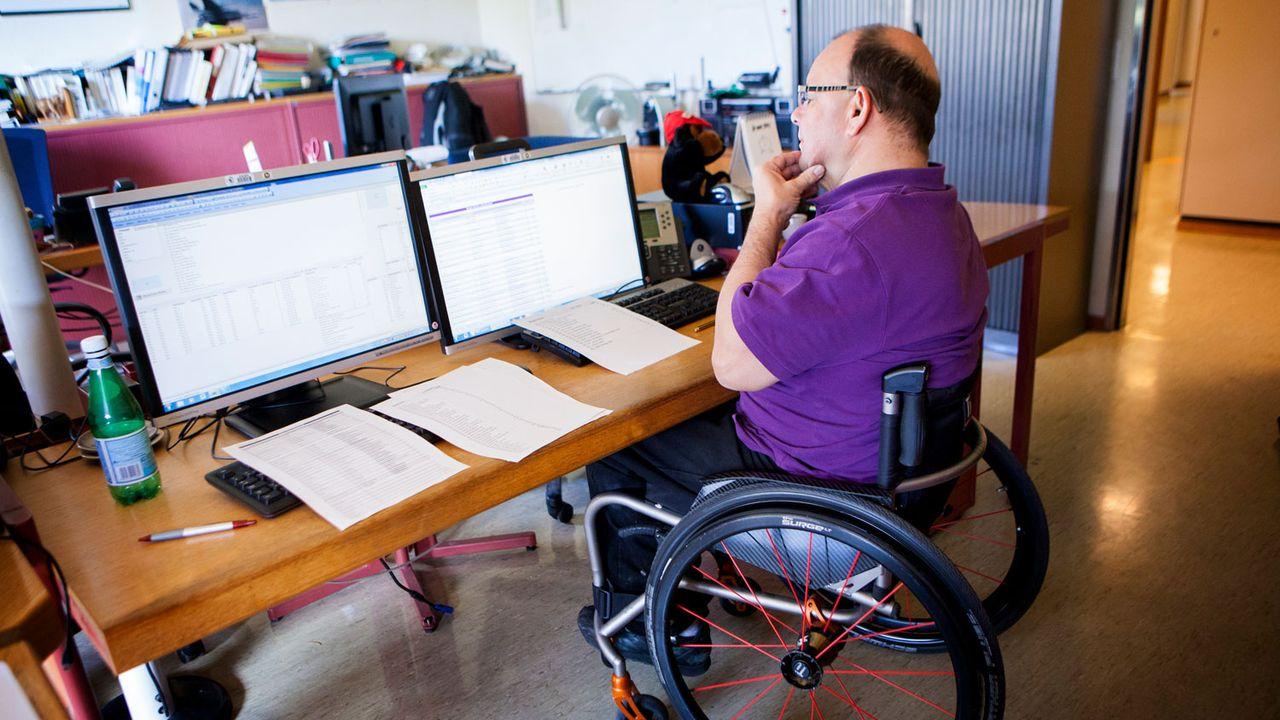 Les personnes handicapées ont un risque de paupérisation et de chômage supérieur à la moyenne. [Amélie-Benoist - BSIP/AFP]