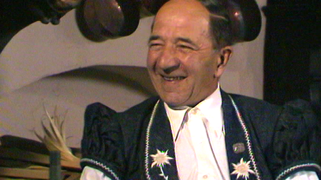 Simon Geinoz, armailli chanteur. [RTS]