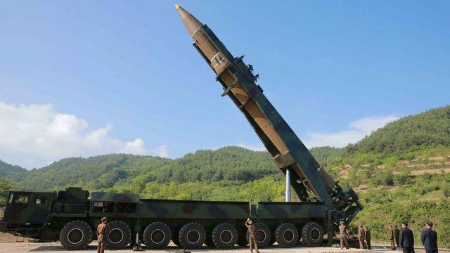 Un missile nord-coréen a survolé le Japon, une première depuis 2009. [EPA/KCNA - Keystone]