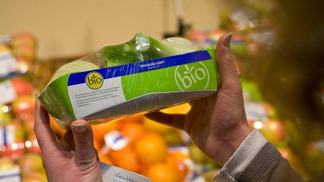 Les distributeurs gagnent beaucoup plus avec les produits bio. [Alessandro Della Bella - Keystone]