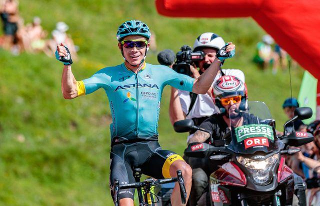 Miguel Angel Lopez s'est montré particulièrement costaud dans la montée finale. [Javier Lizon - Keystone]