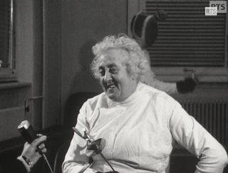 La maître d'armes Marthe Duttweiler Dufour en 1966. [RTS]