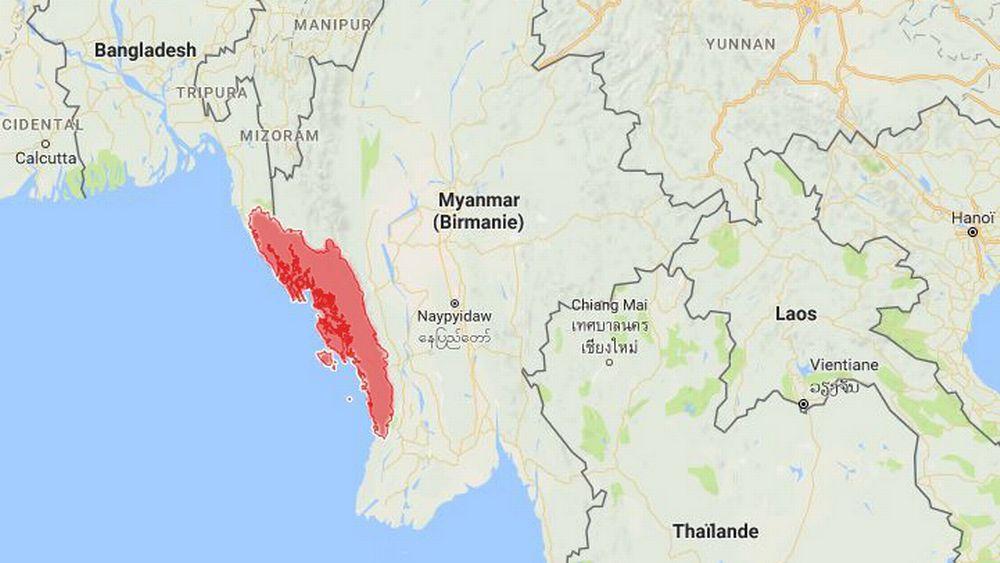 Les Rohingyas vivent majoritairement dans le nord de l'Etat birman d'Arakan (en rouge), frontalier du Bangladesh.