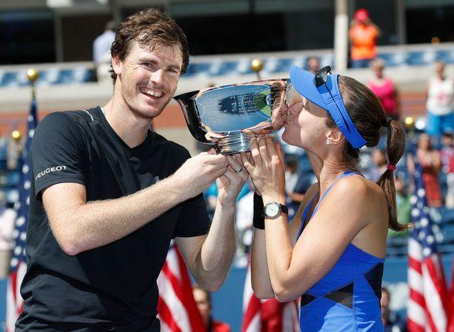 La paire Hingis-Murray, toujours invaincue, a remporté le double mixte à l'US Open. [John Mabanglo - Keystone]
