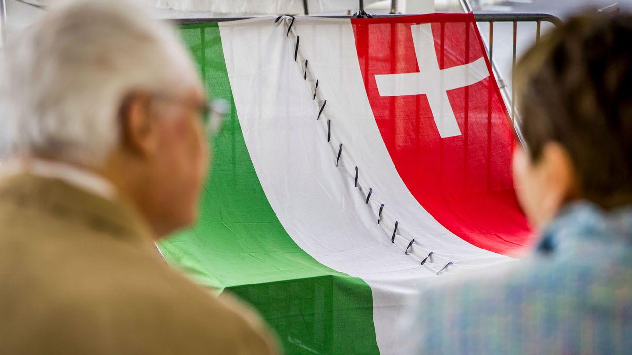 Canton, communes et régions neuchâteloises ont tenu à montrer leur solidarité avant les scrutins du 24 septembre. [Christian Merz - Keystone]