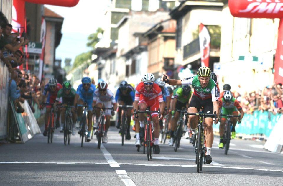 Il s'agit du 3e succès d'Albasini en 2017. [Twitter Swiss Cycling - RTS]