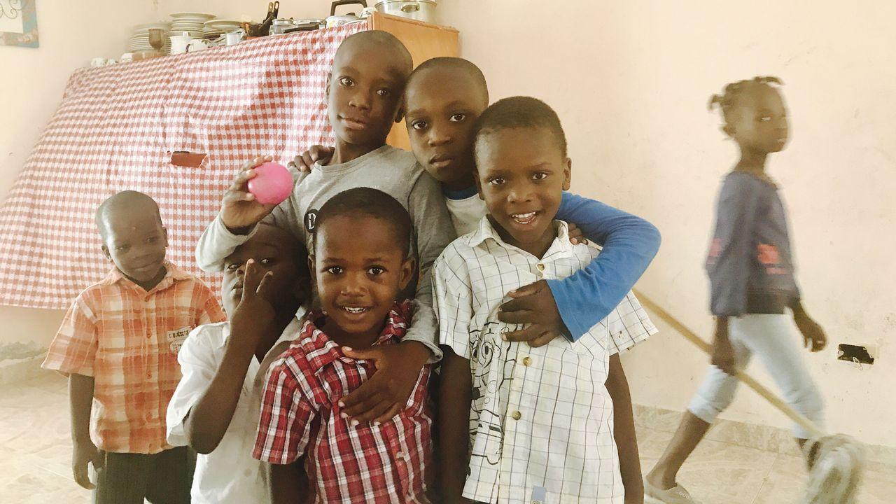 Haïti fait sa révolution en matière d'adoption. Suite à la signature de la Convention de La Haye, un nouveau cadre légal a été établi en 2014 pour favoriser l'éthique et les droits de l'enfant.  [RTS]