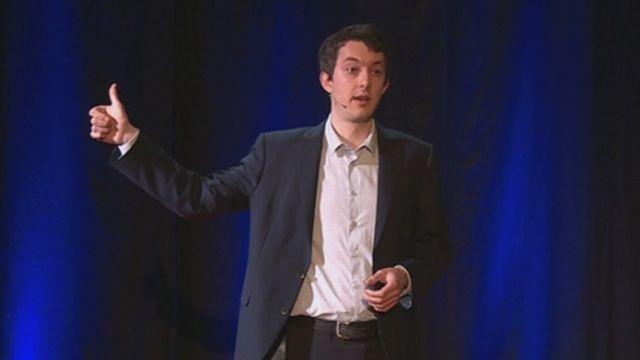 """Ma thèse en 180"""" : Le déterminisme génétique, les intuitions humaines et la culture génétique [RTS]"""
