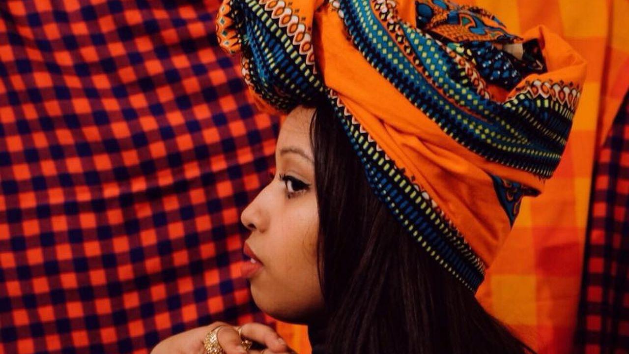 Portrait de la poétesse Anglo-Somalienne Warsan Shire qui a inspiré Beyoncé. [facebook.com/Warsan-Shire - facebook.com/Warsan-Shire]
