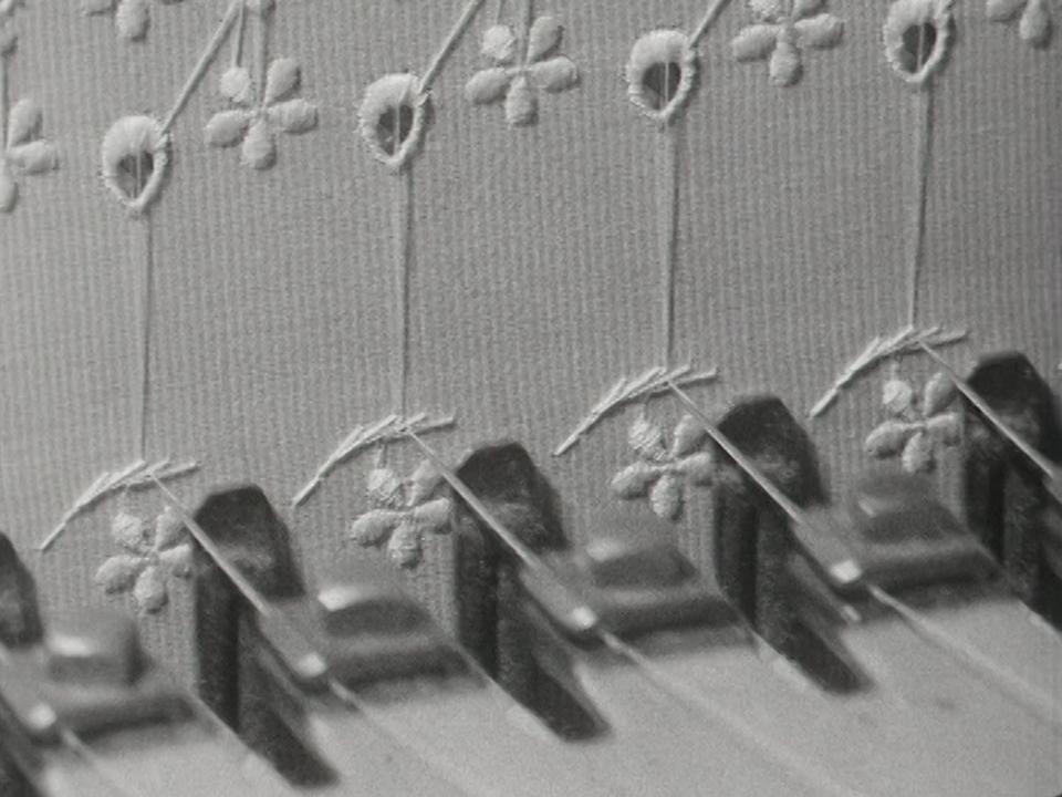 Broderie mécanique en 1964. [RTS]