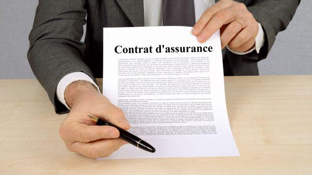 Signature de contrat. [Richard Villalon - Fotolia]